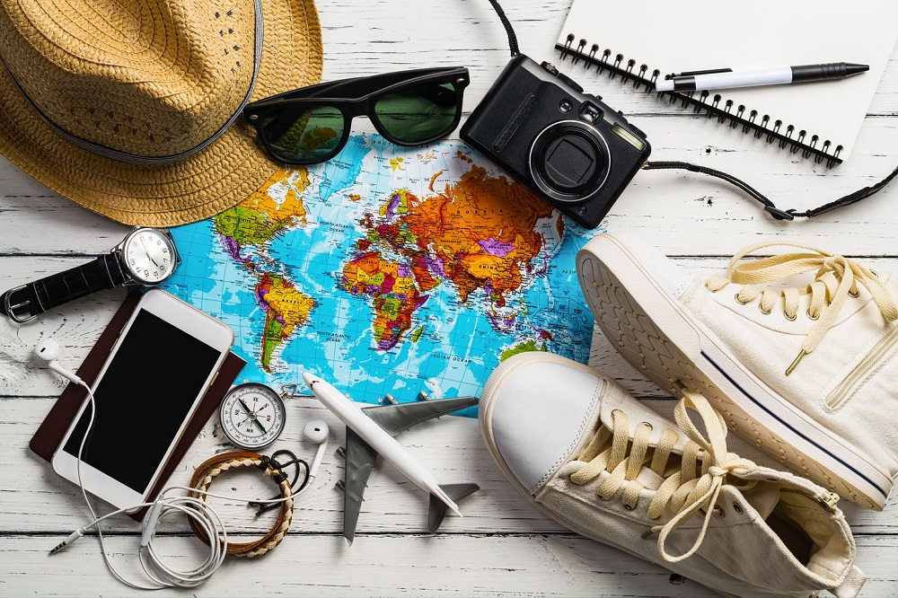 18 essentials tools to pack with you in your travelling