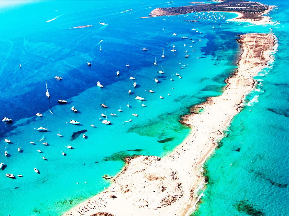 12 Idyllic Beaches in the Balearic Islands that make you want to travel