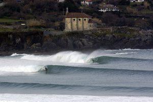 surfing beaches: Mundaka , Basque Country